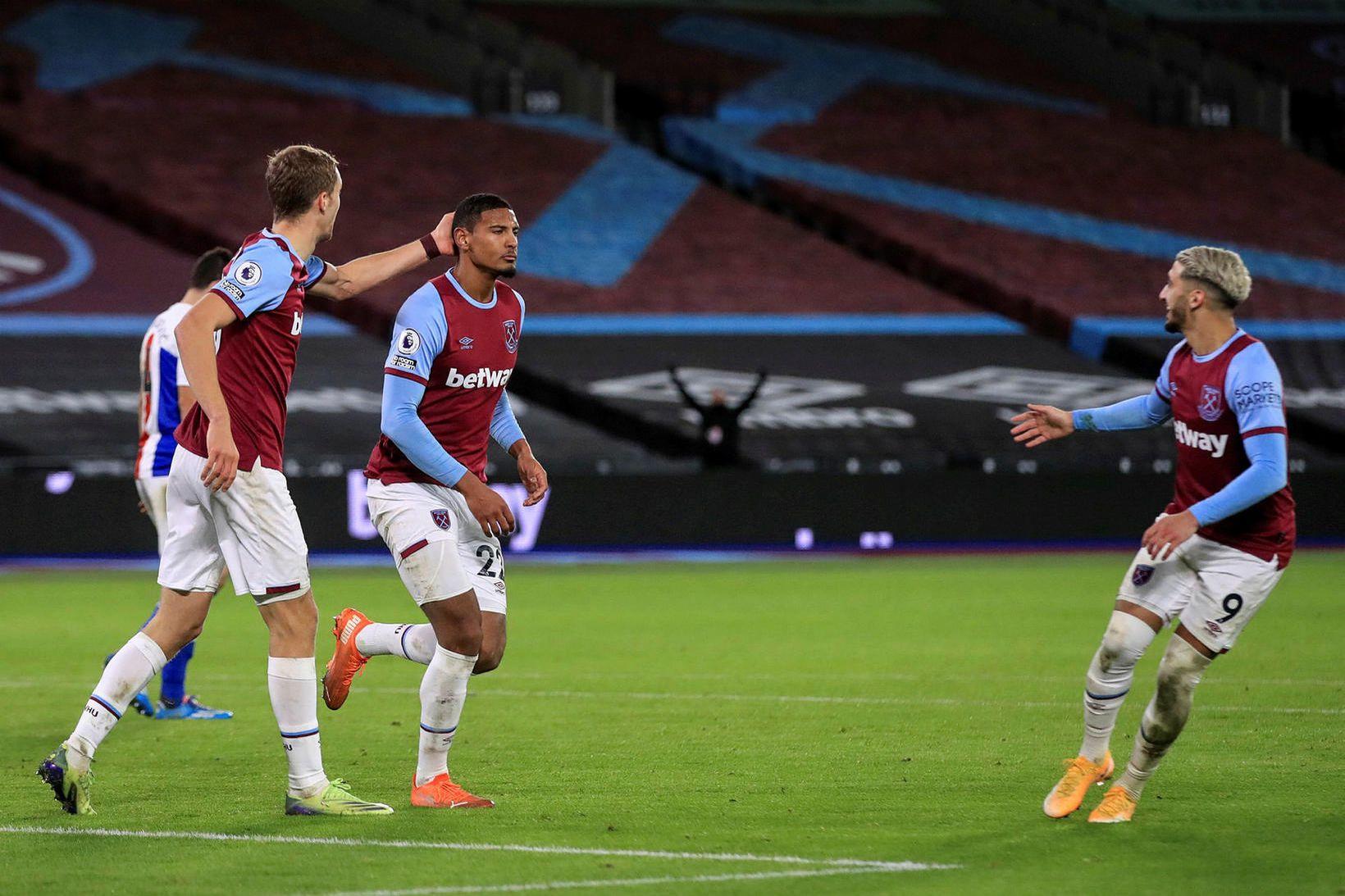 Sebastien Haller fagnar jöfnunarmarki sínu gegn Crystal Palace.