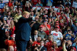 Donald Trump bandaríkjaforseti á kosningaviðburði í Missouri í Bandaríkjunum í gærkvöldi.