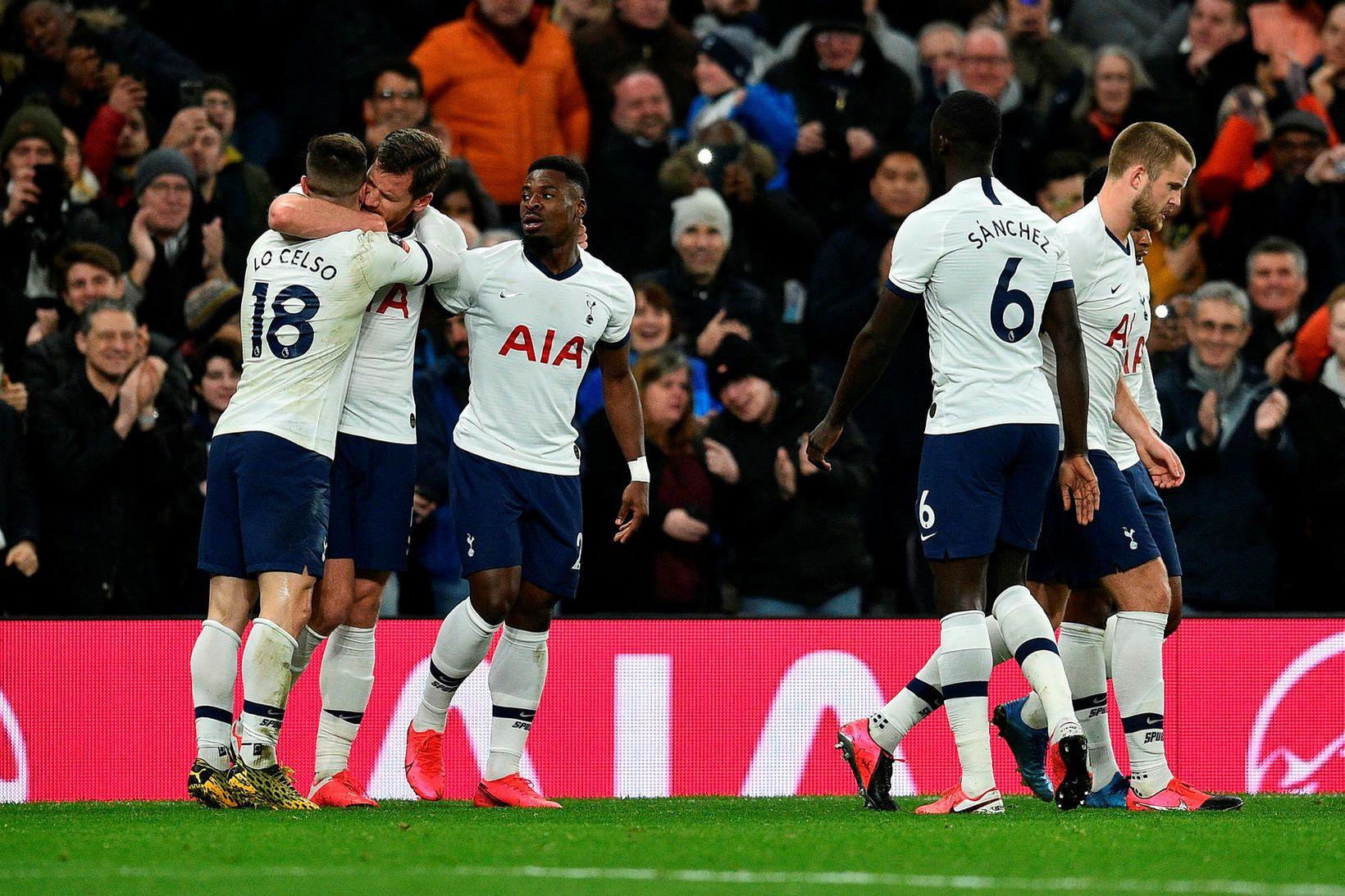 Leikmenn Tottenham sitja undir mikilli gagnrýni frá sínum eigin stuðningsmönnum.