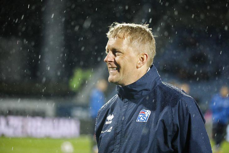 Heimir Hallgrímsson brosir við í kvöld.