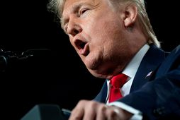 Donald Trump Bandaríkjaforseti jós úr skálum reiði sinnar á Twitter í dag.