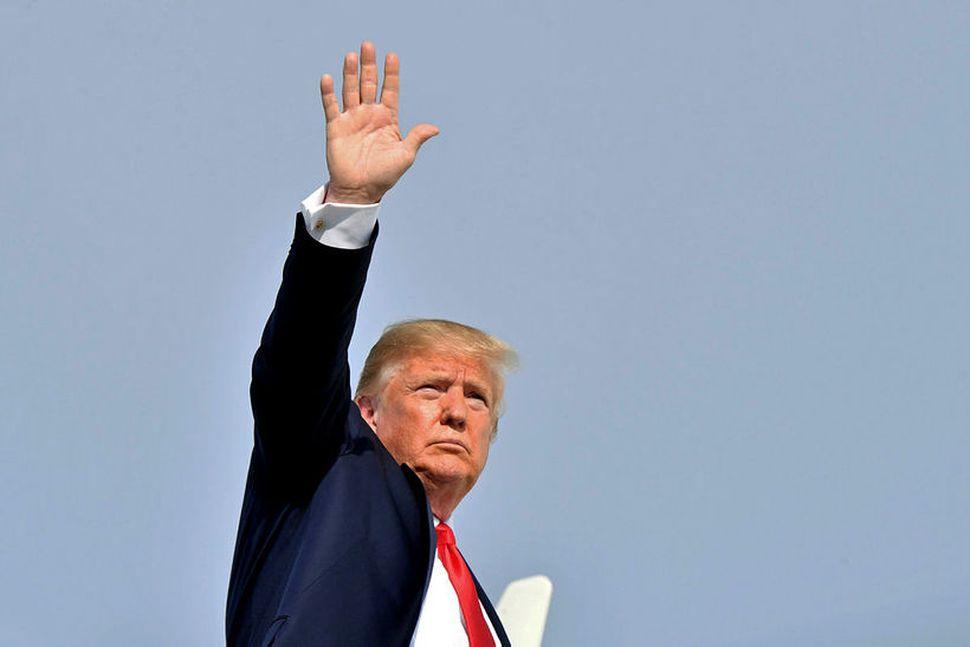 Donald Trump Bandaríkjaforseti hefur, samkvæmt frétt Wall Street Journal, viðrað ...