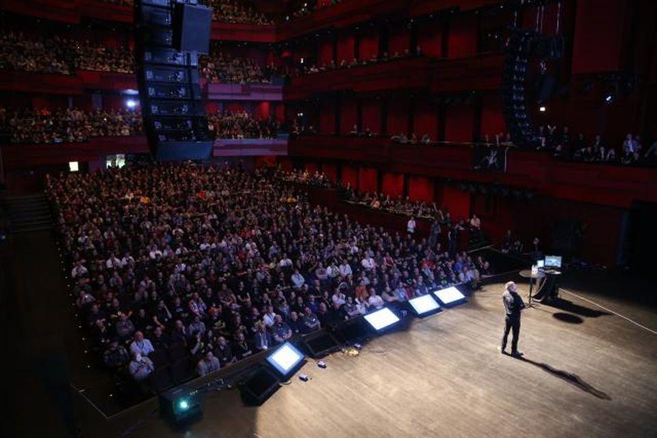 Gestir á EVE Fanfest 2013 fylla Hörpuna.