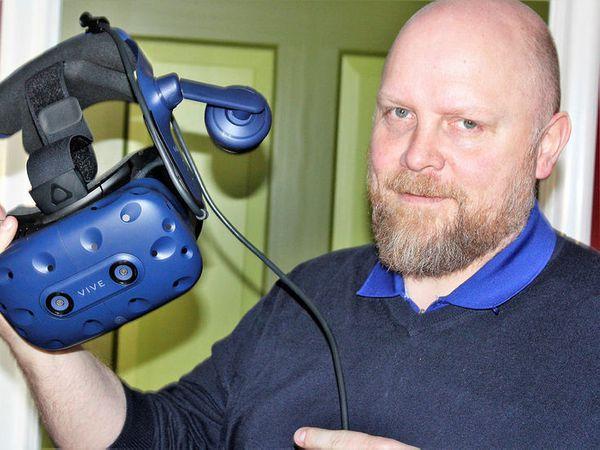 Áskell Heiðar Ásgeirsson, holding a key to the virtual reality battle.