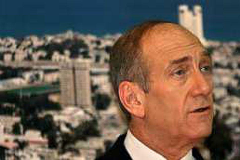 Ehud Olmert vonast til þess að Ísrael og Líbanon geti ...